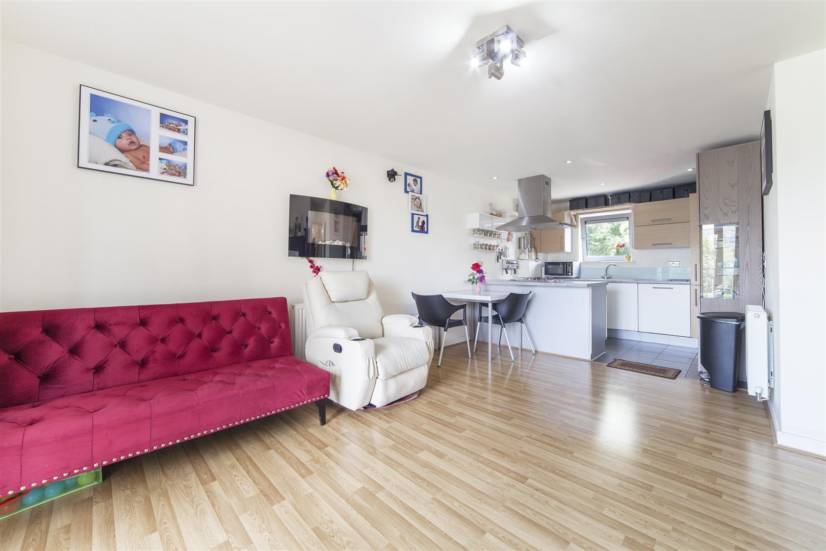 2 Bedrooms Flat for sale in Rosedene Terrace, Chapel Court, London